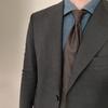 デニムシャツはスーツにも合う超万能アイテム!