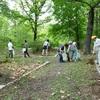 公園のお掃除のオバサン-1・・・