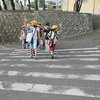 登校の風景:春の交通安全運動(11日~20日)