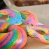 【カフェ/中部・北谷】ヤバイ発色をしたドーナツ(と見せかけて、実はベーグルです)が売っているカフェ、 Coffee&bread Caracalla okinawaにいってきましたよー