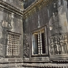 「アンコールワット Angkoor Wat」~中央塔から第二回廊、第三回廊経て裏参道を望み、デバダー(女神)の魅力に浸る!!
