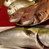 本日の漁港直送の魚たち!今日はブリしゃぶできますよ~ヽ(^。^)ノ