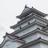 鶴ヶ城の天守閣はカッコいいです。