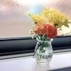 殺風景な部屋に花を飾ってみました