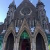 厳かな空間。カナダで初めての教会