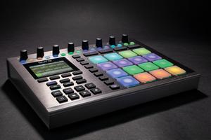「NEKTAR TECHNOLOGY Aura」製品レビュー:DAWやプラグインも制御できるシーケンサー内蔵MIDIコントローラー