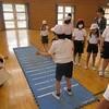 やまびこ:体育 立ち幅跳びに挑戦