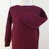 ワイン色のセーターを編みました。