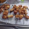 幸運な病のレシピ( 1374 )朝:トリ唐揚、チクワ明太磯辺揚げ、イカゲソ揚げ、鳥レバしぐれ煮、鮭、イワシ、ブロッコリ、味噌汁