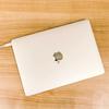 「Anker PowerPort III mini」は軽量で折りたたみ式プラグ。MacBook Airの充電におすすめ!