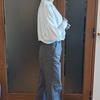 作業着に見えないチノパンの選び方|トレンドのシルエットと足首見せで華奢にコーデ