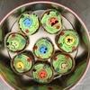 緑のカップケーキ(スマイリー)