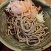 白山市の道の駅瀬女内にある蕎麦山猫で、山猫ランチ(おろしそばと大海老天丼)。そば茶ソフトもしっかりと食べる。