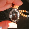 圧倒的な輝き!浄化・開運をお求めのあなたへ!プレミアムカット水晶+7面ルドラクシャの高品質ルドラクシャマーラーペンダント(菩提樹の実)全チャクラ対応