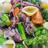 ホタルイカと菜の花のサラダ、桜&バジル風味