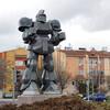 トルコ首都の交差点に『ザク』っぽいロボット像が登場。設置した市長はテーマパーク設営を狙っているそうな【ただし頭部は北斗の拳】