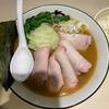 二代目渡来武出身の店主がつくる地鶏鶏油の豚骨醤油ラーメン「地鶏豚骨ラーメン ひなわ」@戸塚