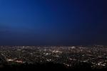 標高531メートル! もいわ山山頂展望台から札幌の夜景を見渡す。
