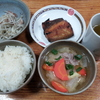 豚モヤシ炒めと豚汁と焼き鯖