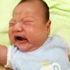 赤ちゃんが泣き止まない!突然やってくる黄昏泣きへの対処方法を先輩ママパパ10人に聞いてみた
