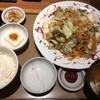 『たっぷり野菜の肉野菜炒め定食』は、思った以上に野菜たっぷりでした。 (@ やよい軒 - @yayoiken_com in 豊島区, 東京都)