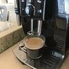 【家庭でコンビニコーヒー】一杯ごとにコーヒー豆を挽き淹れて、豆カスまで捨ててくれる全自動エスプレッソマシーンを勢い余りすぎて購入してしまった話