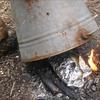 焚火とバケツでパン。こくもちふわ