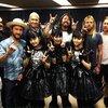 BABYMETALとFoo Fightersがフォトセッション