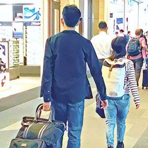 大学生が海外旅行保険に加入するなら、セゾンブルー・アメックス作成がおすすめ!25歳までの学生であれば、年会費無料で利用可能です。