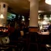 アムステルダム 夜のカフェ