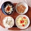 ポテトサラダ、玉ねぎサラダ、小粒納豆。