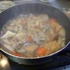 幸運な病のレシピ( 673 ) 朝:パテから作った「鳥豚牛つくねバーグ」の煮しめ、青椒肉絲