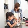 子どもと一緒にケーキ作り