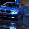 ● BMW 新型3シリーズの全貌が公開! 新型ライトの採用で躍動感あふれるデザインに