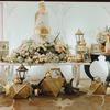 Nên lựa chọn trang trí hoa tươi hay hoa lụa cho tiệc cưới?