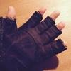 【DIY】寒いのでPC作業、ゲーム用にルーム用指なしグローブを作る。