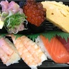 スシロー、くら寿司、かっぱ寿司、はま寿司の持ち帰りセットメニュー食べ比べ