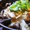 カオマンガイ風、鶏もも肉の春雨挟みのお米の煮込み、トムヤム風味